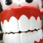 הלבנת שיניים ביתית – ערכה להלבנת שיניים טבעית