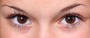 תרופות סבתא לעיגולים שחורים מתחת לעיניים